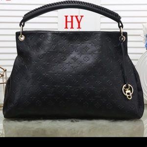Louis Vuitton artsy black bag